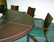 Mesa de Juntas. Detalle borde de la mesa.